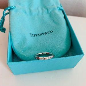 Tiffany Bezet band ring with diamonds